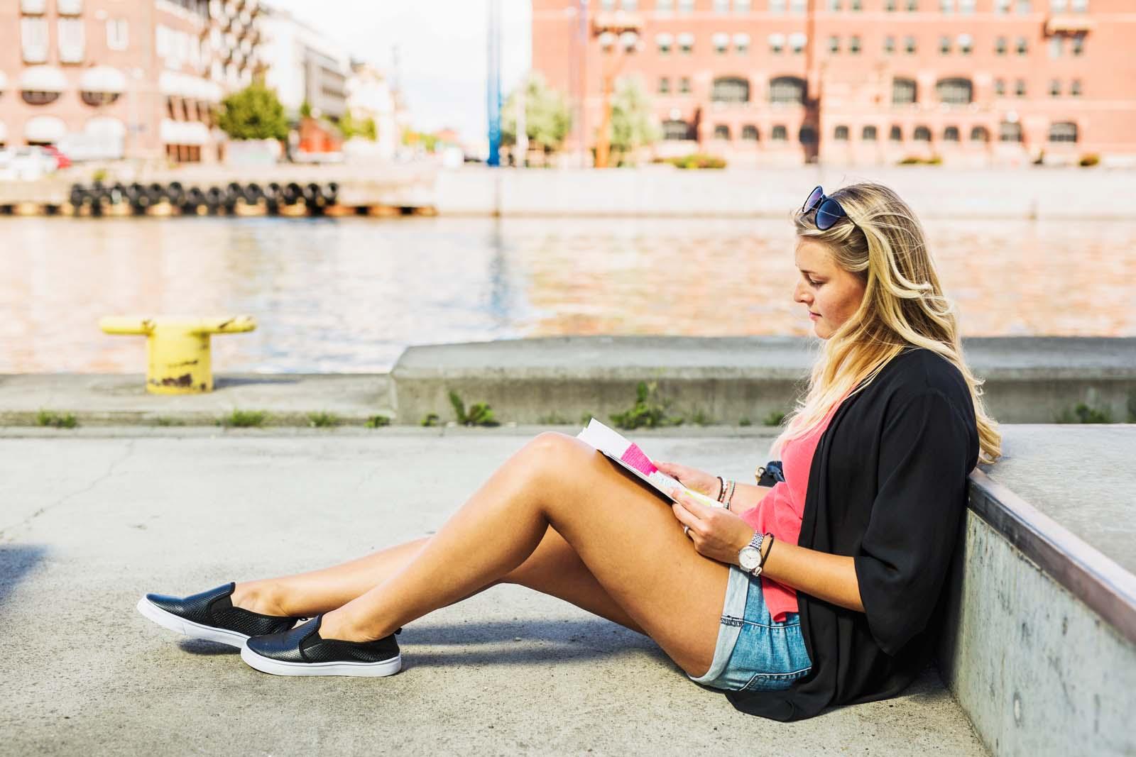 freelancer reading a book