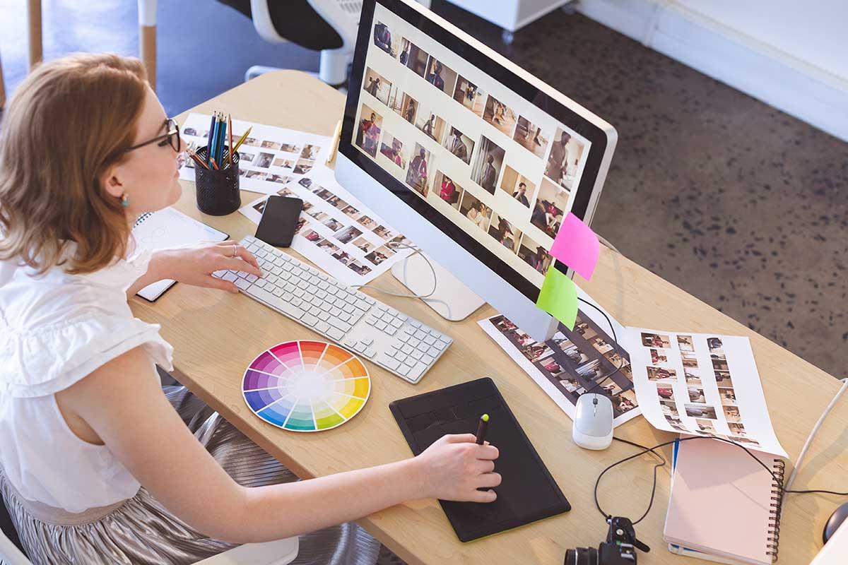 freelancer working on her computer